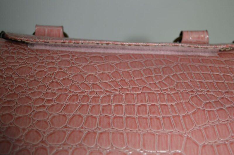 Rózsaszín lakkozott kigyóbőr mintás kutyahordozó táska 2 5