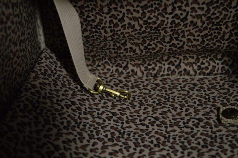 Rózsaszín lakkozott kigyóbőr mintás kutyahordozó táska 2 7