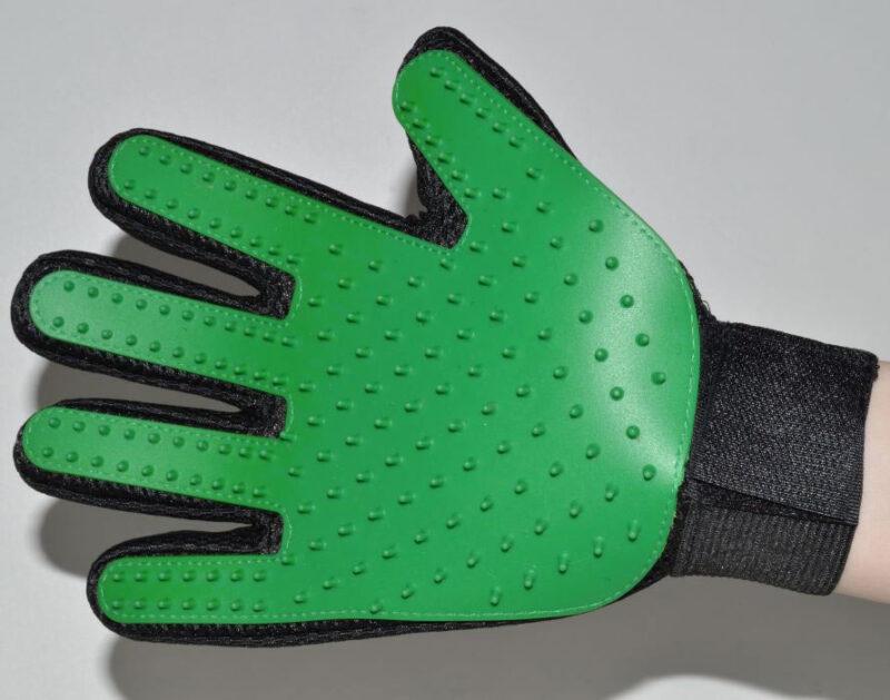 Zöld kutya fésű kesztyű és masszírozó 1