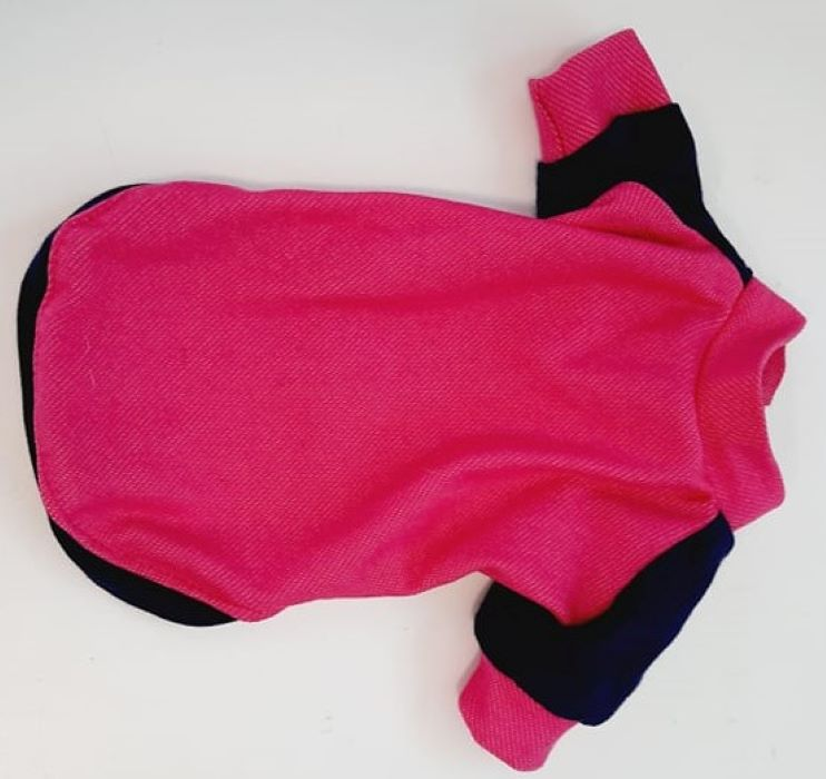 Pink kutyapulóver kék ujjakkal 2